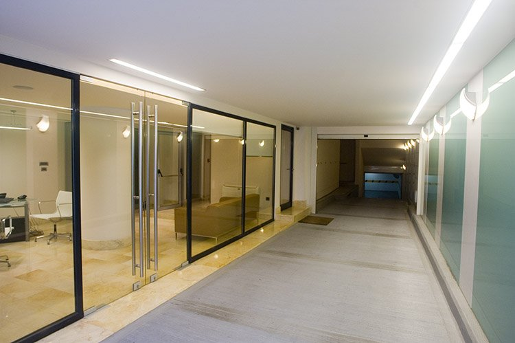 Είσοδος VIP - Bergmann Kord